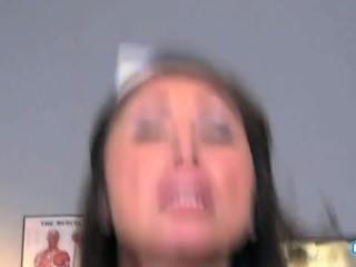 POV Pornofilm mit einer geilen Mutter