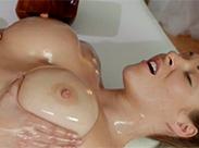 Erotische Massage unter Lesben