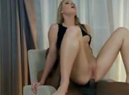 Junge Blondine hat Neger im Arsch