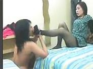 Asia Domina benutzt ihre Sklavin