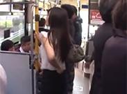 Japanerin im Bus öffentlich gefickt