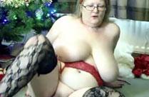 Oma zieht sich aus zu Weihnachten