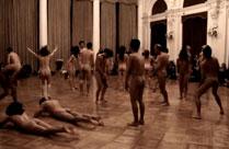 Nackte tanzen im Schloß