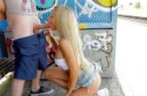 Heisse Blondine von Fake Agent gefickt