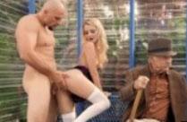 Sex an einer Bushaltestelle